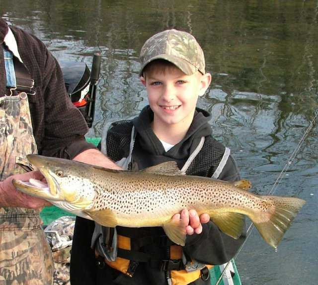 ARKANSAS TROUT FISHING | GUIDED TROUT FISHING TRIPS ON THE WHITE AND